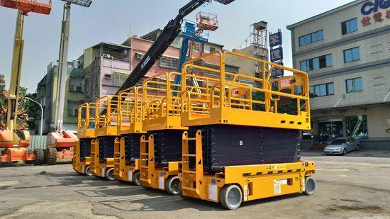 14米電動剪刀式高空作業車