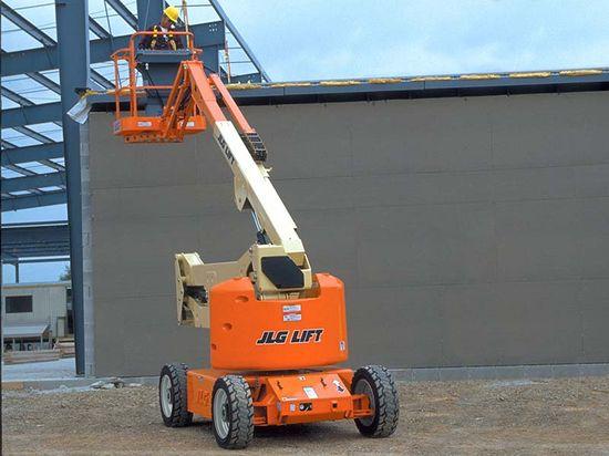 JLG E450AJ 電動曲臂車